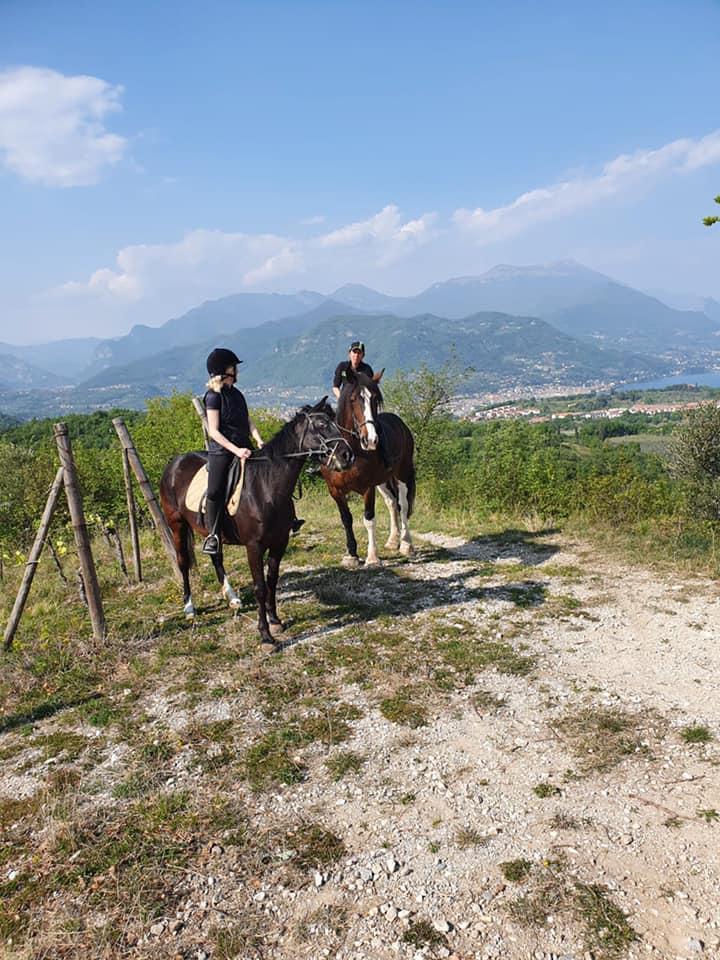 gita cavallo sul lago di Garda